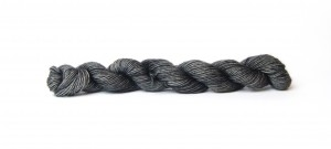 Minis Meme Yarns 03 Dark Grey